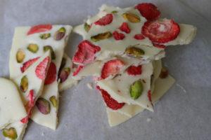 Erdbeer Pistazienschokolade